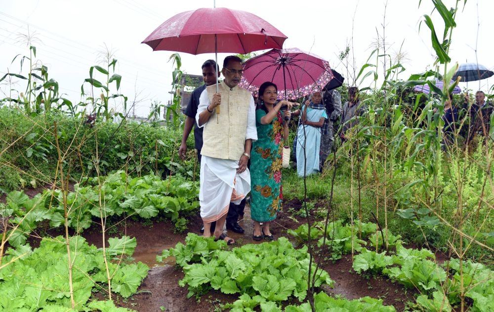 Agriculture minister reviews organic farming in Meghalaya