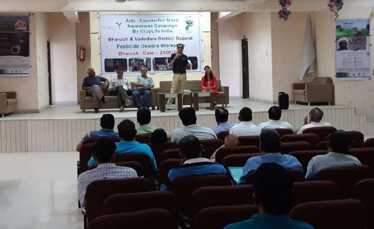 CropLife India reaches out to pesticide dealers in Gujarat