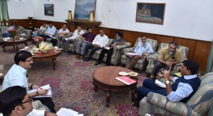 Minister reviews supply & availability of fertilisers in J&K