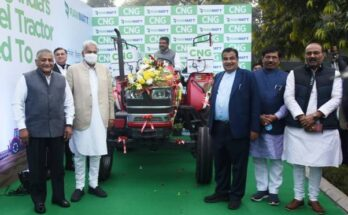 Nitin Gadkari launches India's first CNG tractor