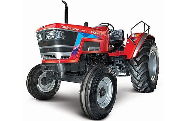 How has been the tractor sales of Mahindra in May'21?
