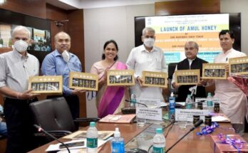 Narendra Singh Tomar launches Amul Honey