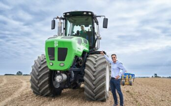 AUGA group presents climate-friendly biomethane run tractor